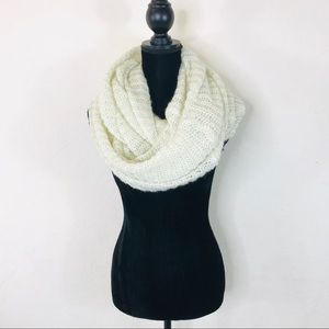 H&M Double Loop Beige Knit Scarf One Size